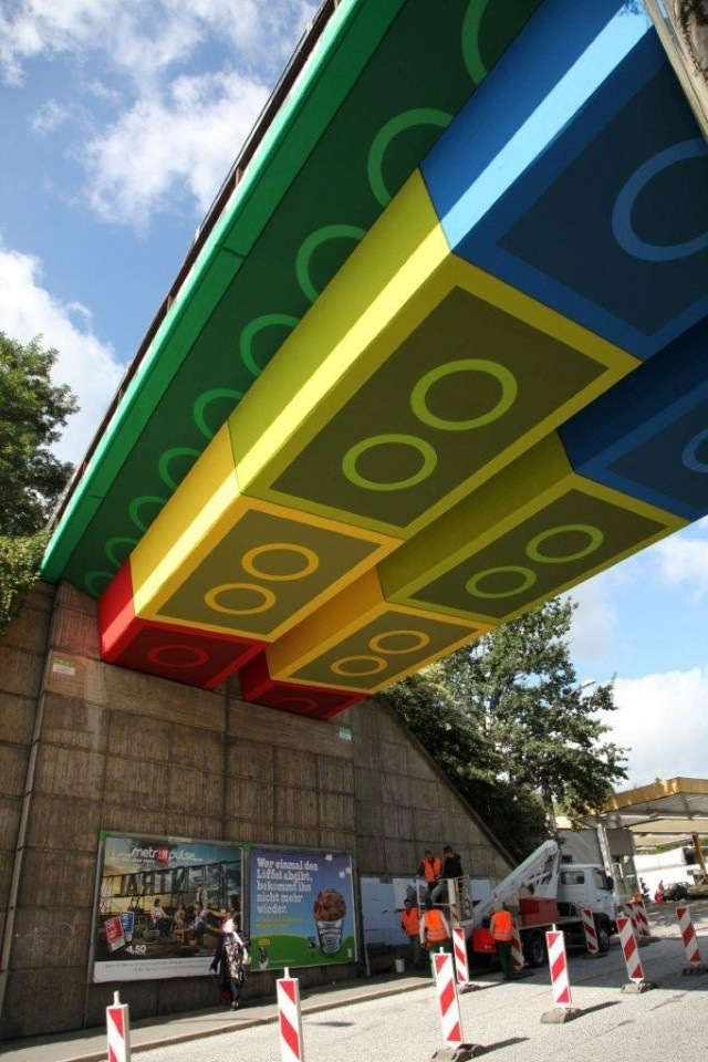 Inventive-Street-Art-02