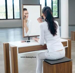 orgoliul feminin in fata oglinzii